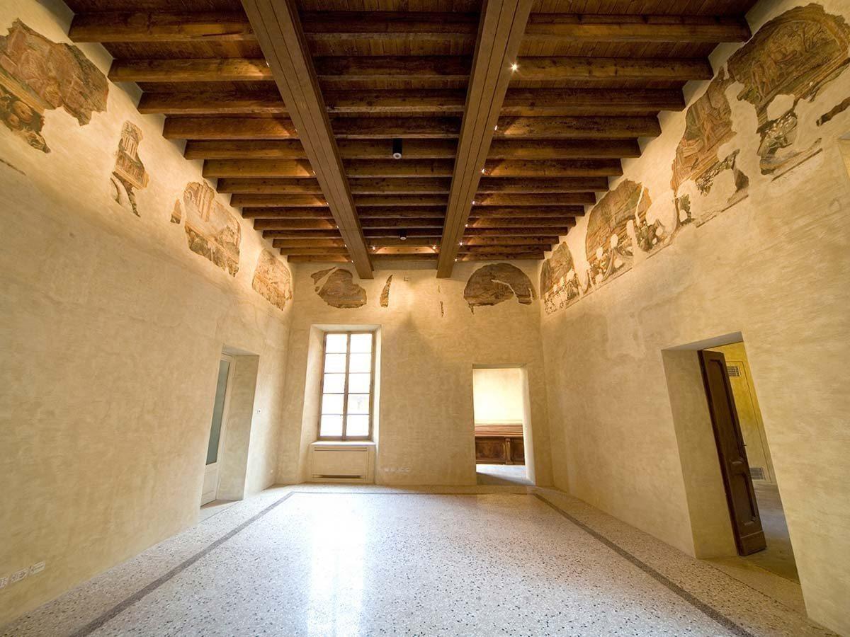 Casa-di-Gasparo-Scaruffi-affreschi-secolo-XVIprincipale_1
