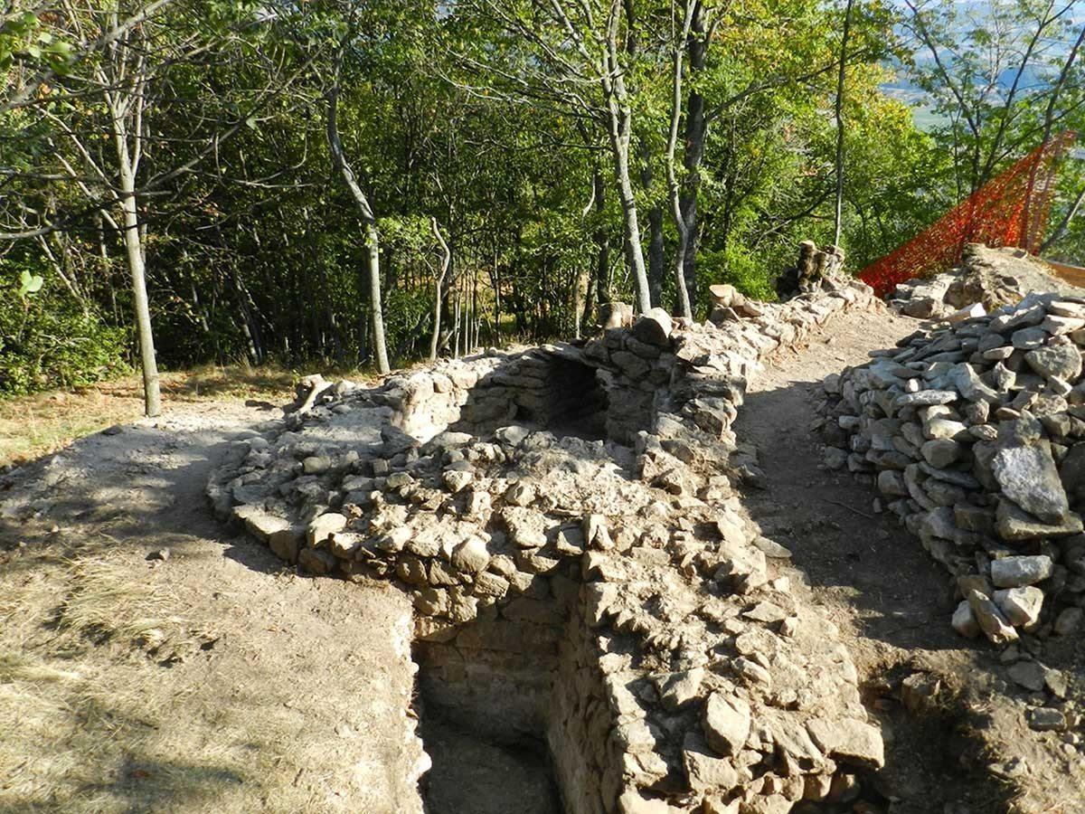 Castelnovo-Monti-Pietra-Bismantova-scavi-archeologici-3_1