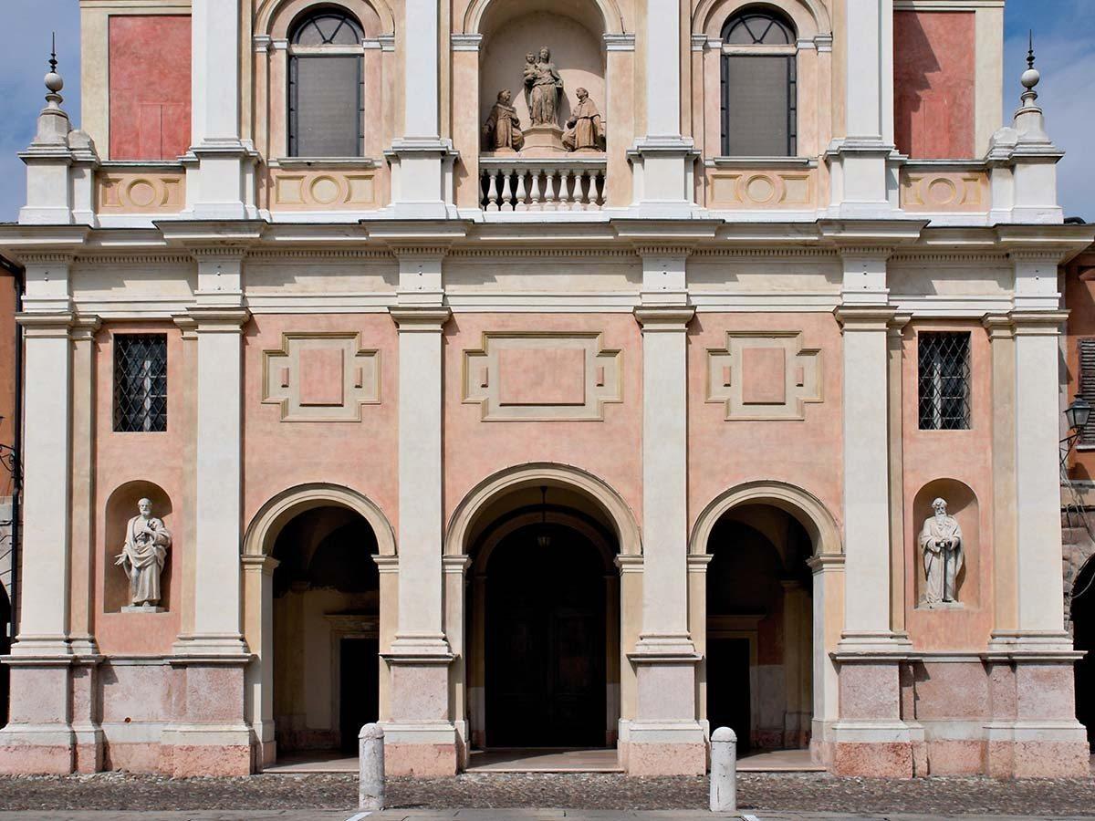 Concattedrale-Santi-Pietro-e-Paolo-Duomo-Guastalla-principale2_1