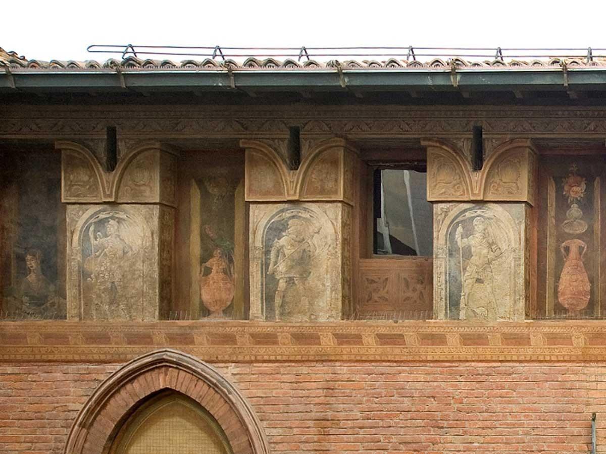 Palazzo-Fossa-affresco-Gli-Uomini-d-Arme-di-Cesare-Cesariano2_1