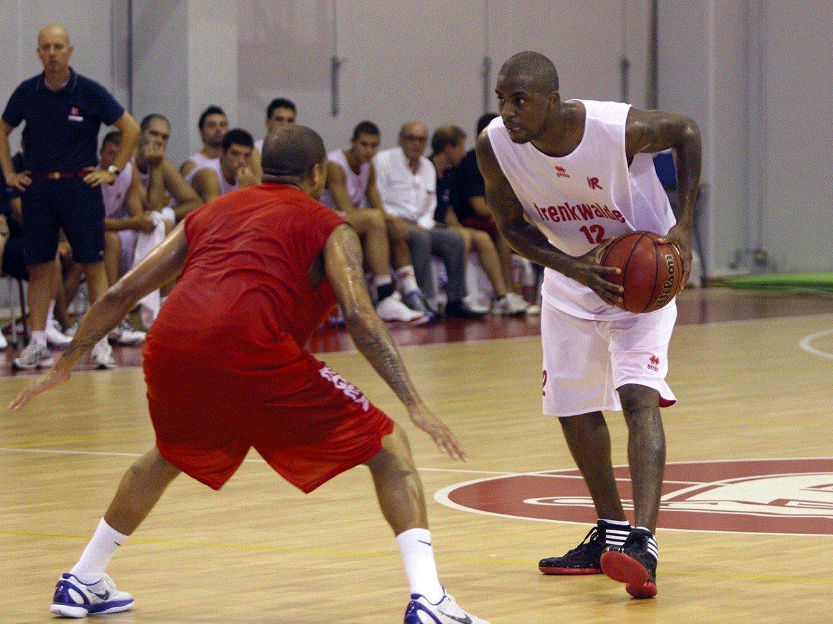 pallacanestro-reggiana-taylor_1